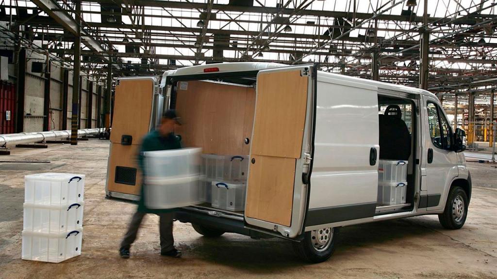 deducciones fiscales vehiculo comercial asesoria en Málaga